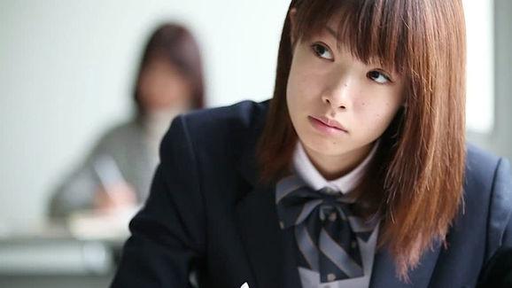 ¿Las escuelas reales japonesas son similares a lo que vemos en el Anime?