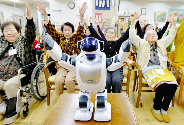 En Japón cada vez apuestan mas por los robots para cuidar a los ancianos