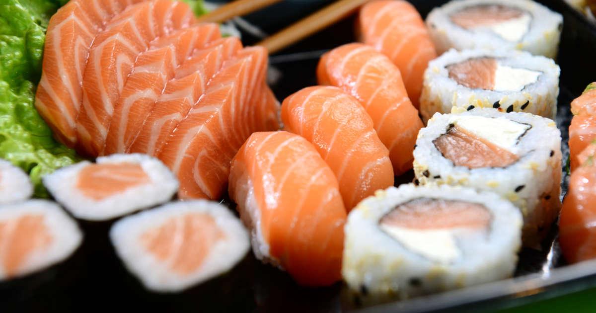 es seguro comer sushi en japón