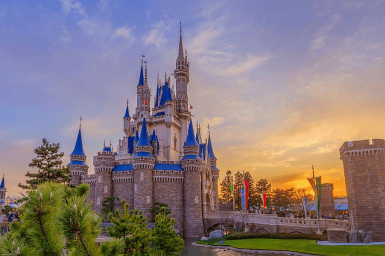 Para los que no conocen mucho sobre el Parque, aquí hay algunos hechos divertidos sobre Tokyo Disney Resort. Tokyo Disneyland abrió sus puertas el 15 de abril de 1983