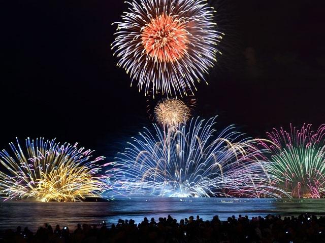 festivales fuegos artificiales en tokio