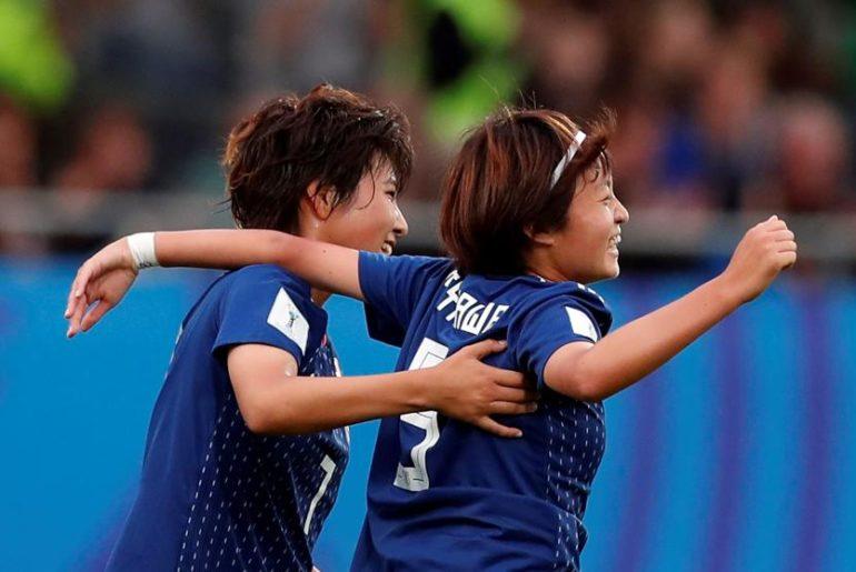 Japón derrota a España