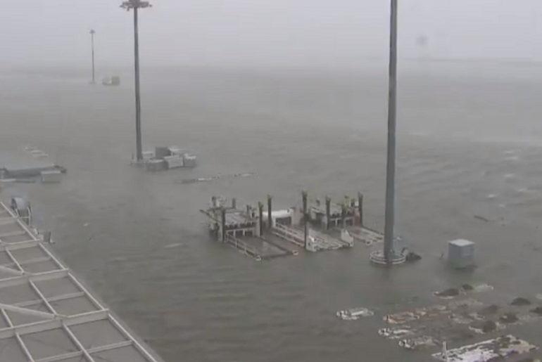 Inundaciones en el aeropuerto internacional de Kansai