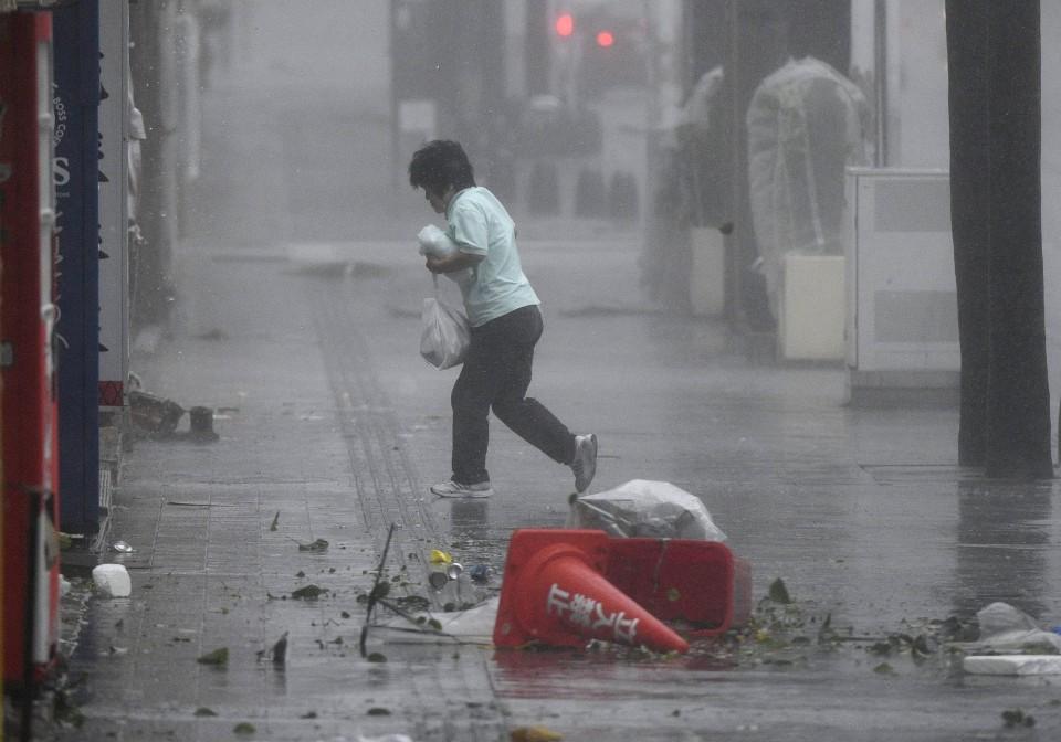 tifón Trami vuelos