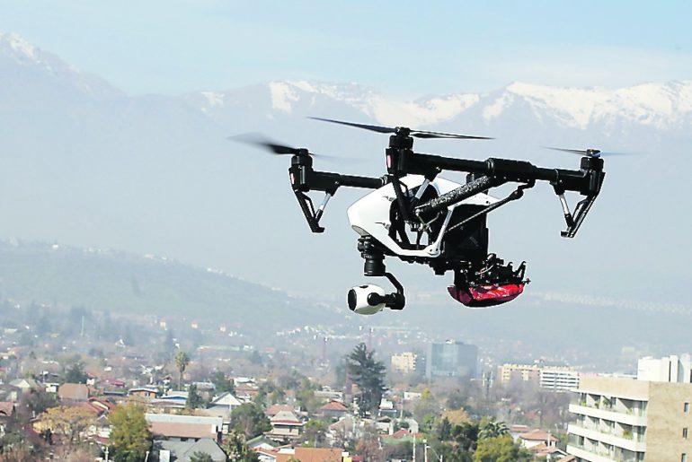servicio postal con un dron japón