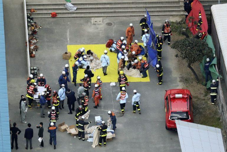 40 alumnos incendio escuela japón